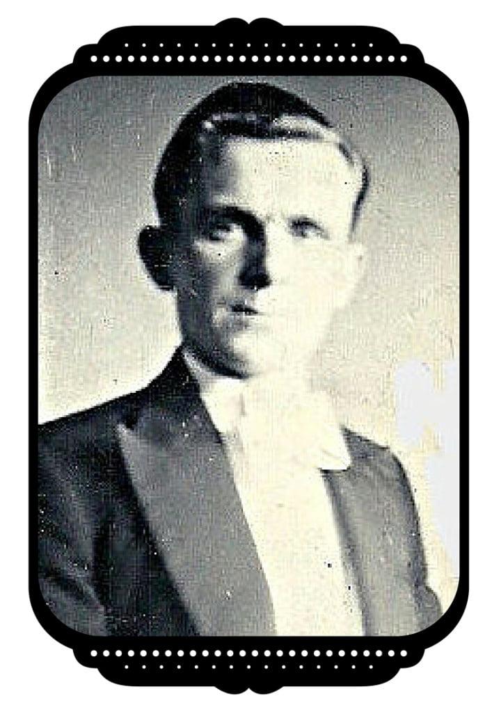 Alyn Lloyd Tenor Soloist